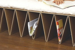 "21 Kartonnen bed ""Itbed"" 2"
