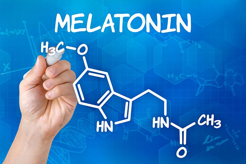 De invloed van elektrische apparaten en bl;auwe schermen op de melatonine in het lichaam