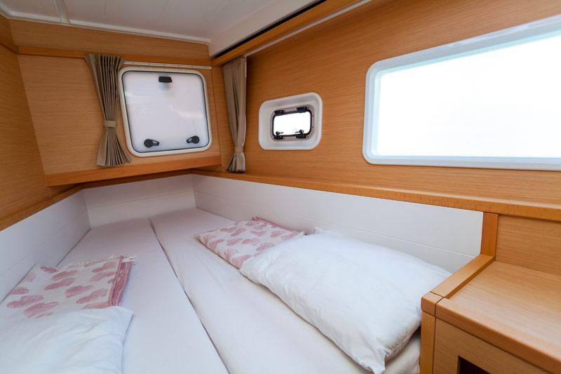 Over het algemeen worden matrassen voor campers, caravans en boten van het lichte en goedkope polyether gemaakt