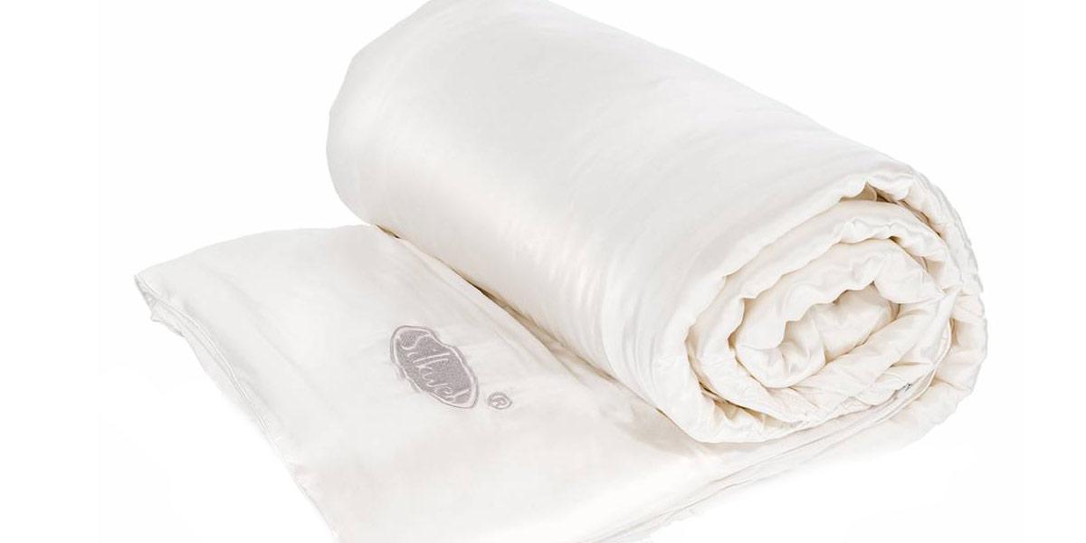 De voordelen van slapen onder een zijden dekbed