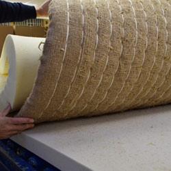 De binnenkant van een stro matras