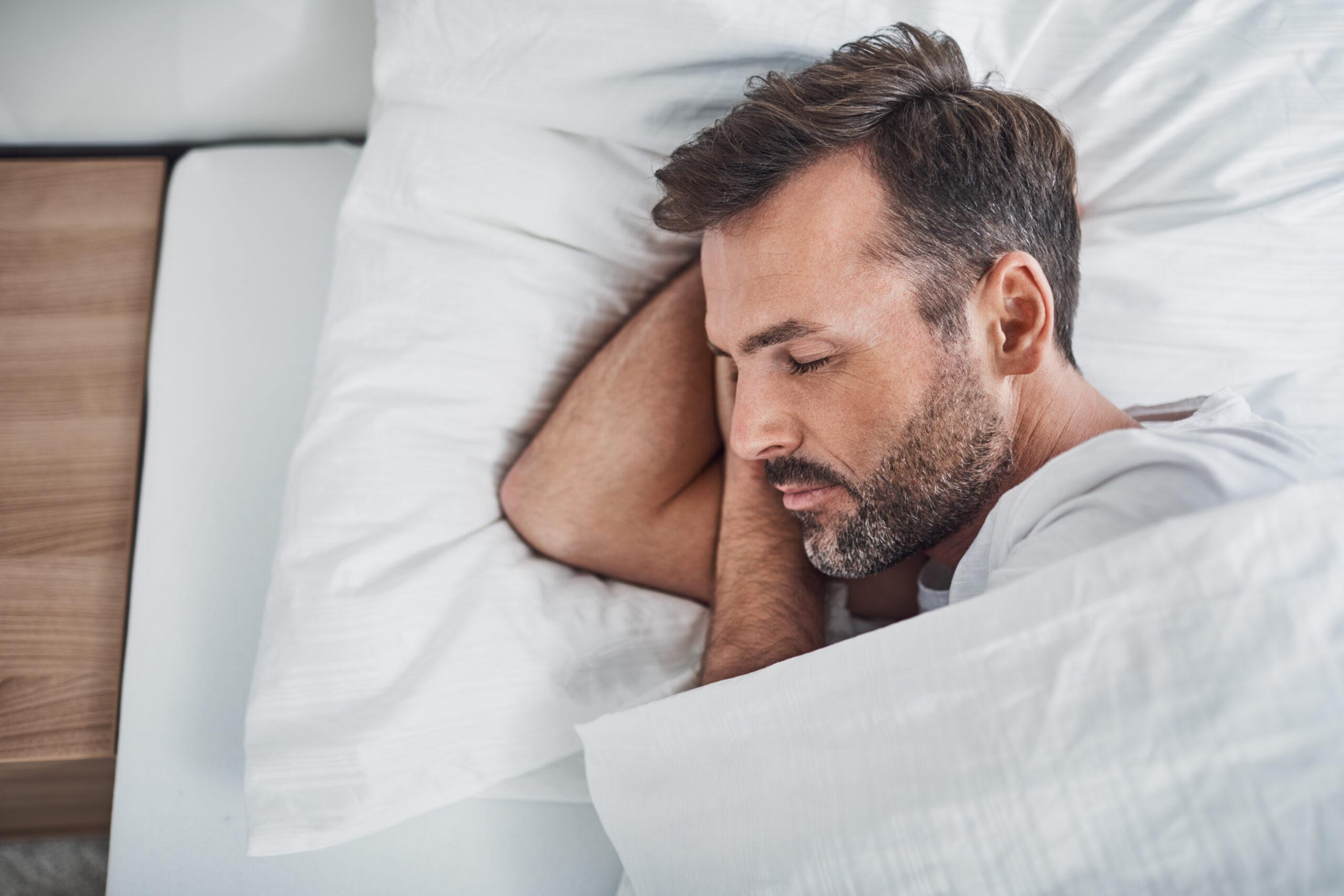 oude man in bed - moe